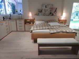 寝室と居間を一体化方向に